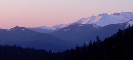 alaskan mountains at sunset taken from Eagle Crest Ski Resort